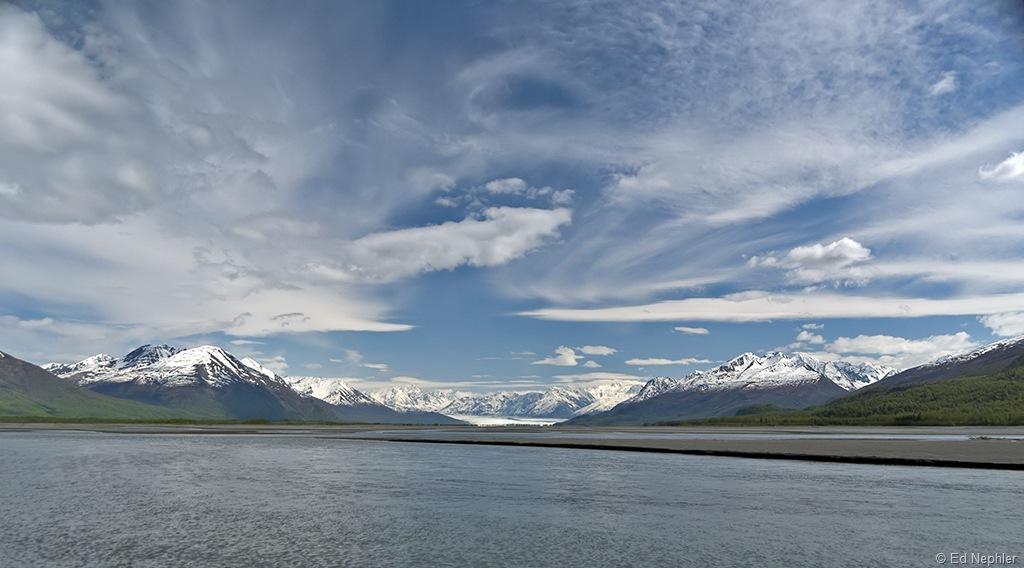 Kmik Glacier 052511.01.1024