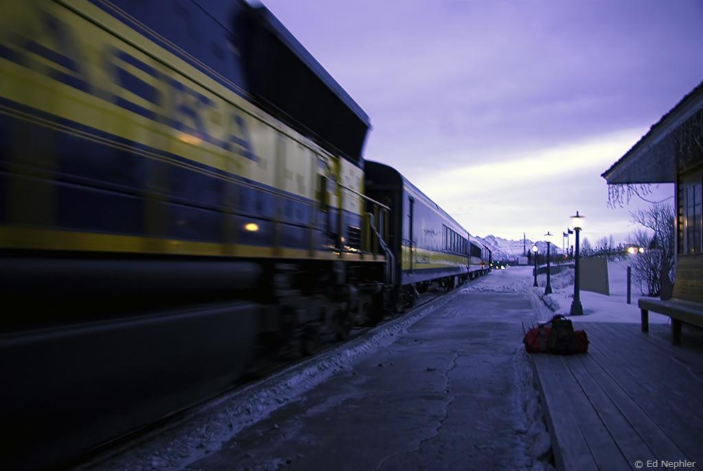 Train arriving at Wasilla Depot 010710.02.1024